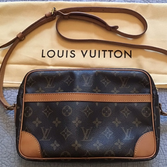 ec66781f1c4d Louis Vuitton Handbags - 👜🛍Louis Vuitton Trocadero 27 crossbody
